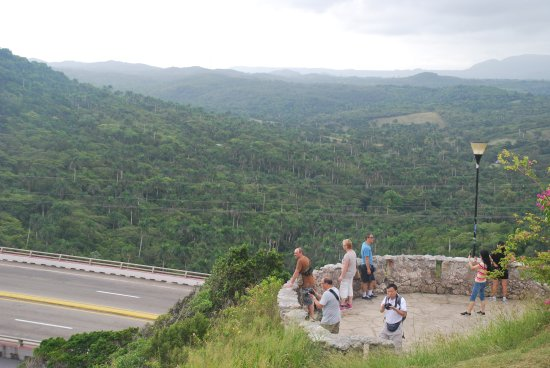Bacunayagua Lookout (Great Photo Opportunity!)